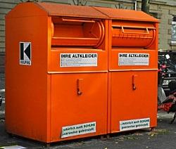 Sammelcontainer für Altkleider - Rudolpho Duba / pixelio.de