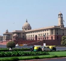 Indisches Parlamentsgebäude - © Dieter Schütz / pixelio.de